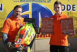 Patrick mit seinen Elcon Chef-Mechaniker SIGI