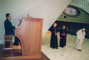 Sala Nervi (Aula Paolo VI) Vatican, with pope John Paul II