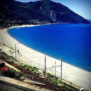 spiaggia sotto la Stazione