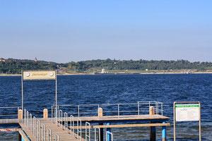 Bootsanlger auf der Innenkippe am gegenüberliegenden Ufer des Hafens