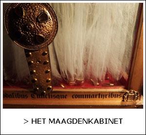 St. Ursula en de 11.000 schoentjes ,55 heiligen in een doosje, expositie Het Maagdenkabinet 2015  www.ellenevabrouwers.com