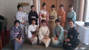 岐阜県下呂市森着物着付け教室「あゆみキモノ学院」写真館ホテルパストールにて開催