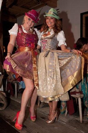 Gitta Saxx und Pia Bolte mit Hutkreation Clamaré