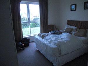 Mein Schlafzimmer mit nem hammer Bett :)