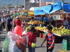 Auf dem Markt in Pavas