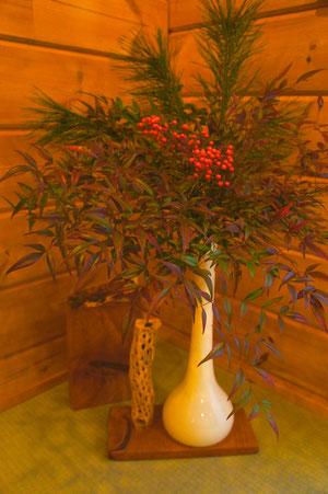 生け花と木彫、Ikebana with wood
