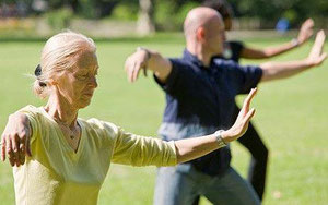 Pourquoi bouger retarde la vieillissement- francoise segarane dieteticienne nutritionniste