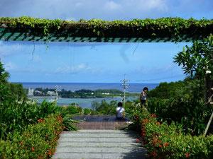 宿泊客はYOGAができます。散歩の後に海を眺めながらYOGAをしました。