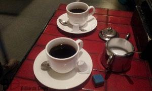 スリークッションをする時はコーヒーが飲みたくなるのです。飲みたくなるのです