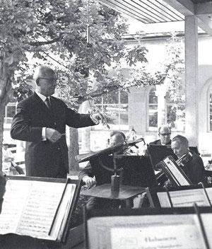 Kurkonzert mit Musikdirektor Willy Naue 1965