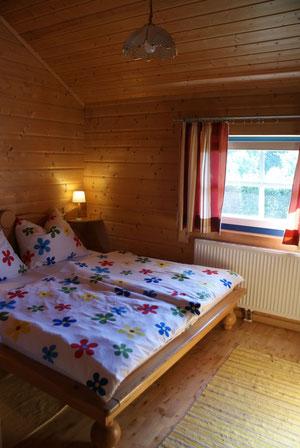 Schlafzimmer Nr1 mit Doppelbett