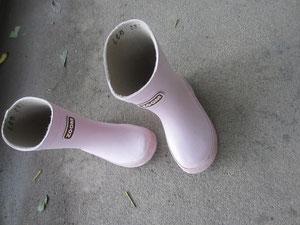 ちいさくてかわいい ピンクのナガ靴♪