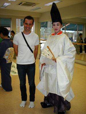 とある大学の文化祭にて。日本人びいきの留学生さん。足袋をはいている日本ツウさん