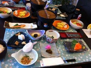 もりだくさんの朝食^^色々おしゃべりしながらゆっくりたくさん食べました