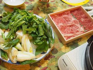 贈られてきた富山の美味しい和牛。。シモニダネギと一緒に