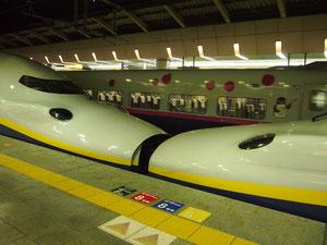 東京駅にて らぶらぶな電車です^^