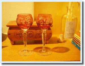 母が新居にプレゼントしてくれました。食前酒用のシェリーグラス。 Nachtmann というドイツのものらしい。 綺麗♡