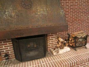 冬に活躍しているはずのホテルロビーの暖炉 これ一つで雰囲気でますよね^^
