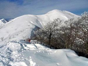 前大日山頂から大日ケ岳を写す