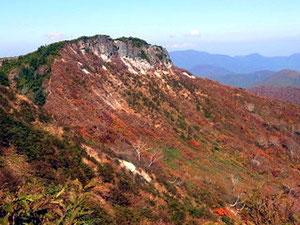 野谷荘司山への登山道途中から三方岩岳