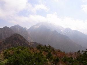 赤谷山山頂(2,260m)から剱岳
