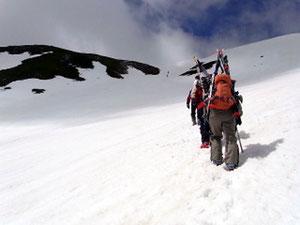 極楽平にむけて登りだす。標高差約200m