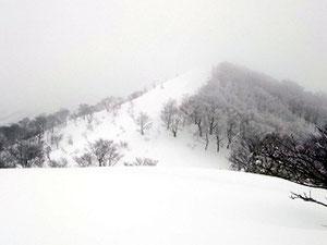 雪が降り霞だしたブンゲン