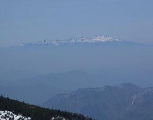 御前峰山頂から乗鞍岳アップ