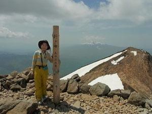 乗鞍岳(剣ケ峰)3,026.3mにて大日岳と御岳をバックに