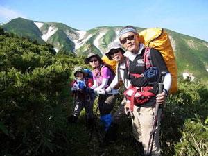 七倉山、四塚山をバックに