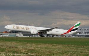 Emirates ***** B 777-31H/ER *****A6-EBW