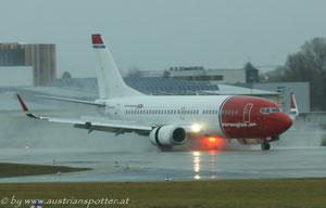 Norwegian Air Shuttle ***** B 737-31S *****LN-KHA