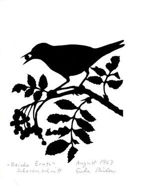 Vogel und Vogelbeere