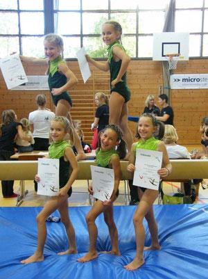 oben v.l.: Julia und Anna, unten v.l.: Marei, Amanda und Lena