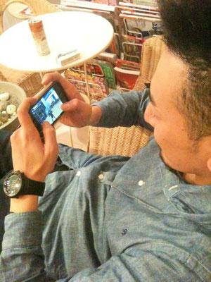 KENZUIの為の携帯電話ですね。