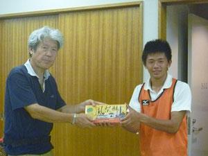 ユースから台湾遠征のお土産をいただきました