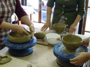 茶碗製作中