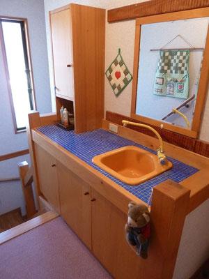 2階のキッチンですが使わず歯磨き用です。