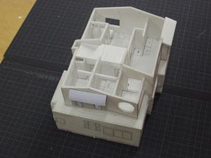 改修計画検討模型 内部のイメージ。ロフトをつくりました。