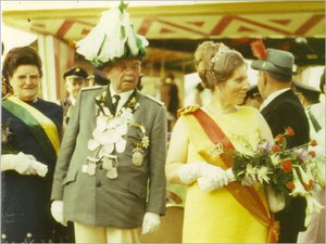Kaiser Alois I. (Rosenbaum) und Kaiserin Josefa I. (Merhofe)