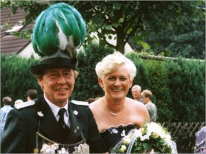 König Jürgen I. (Bohle) und Königin Elisabeth I. (Schaemann)