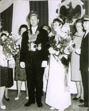 König Karl-Heinz I. (Pätsch) und Königin Roswitha I. (Modroczinski)