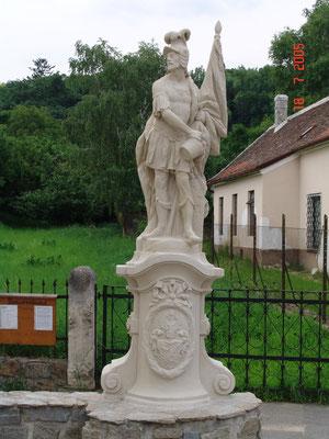 2005    Hl. Florian u. Hl. Nepomuk / Maissau / Zogelsdorfer Kalksandstein