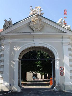 2000 Bischofstor / Bistum St. Pölten / Kalksandstein