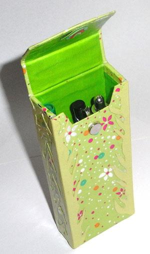 Box aus Graupappe für Stifte