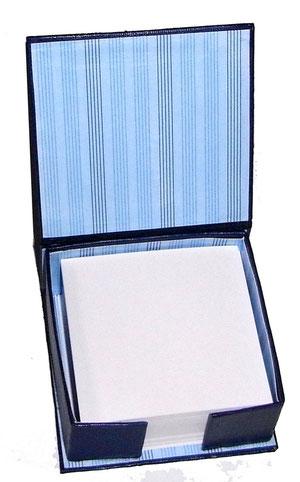 Zettelbox aus Graupappe mit Deko Papier beklebt