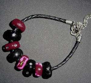 Armband mit Lederband und Beads