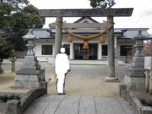 弐ノ鳥居と拝殿