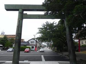 昭和12年に再建された裏参道鳥居