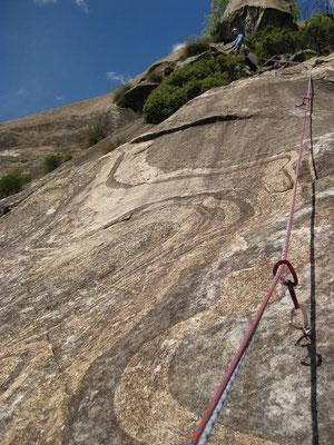 Tolle Musterung auf den Felsen.